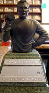 Mini Busts Bronze 500 Goal Scorer Mario Lemieux