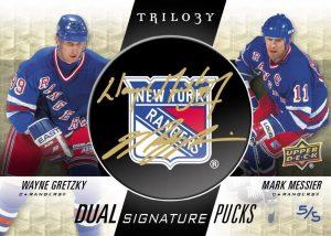 Dual Signature Pucks Team Logo Wayne Gretzky, Mark Messier