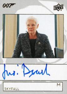 Auto Judi Dench as M